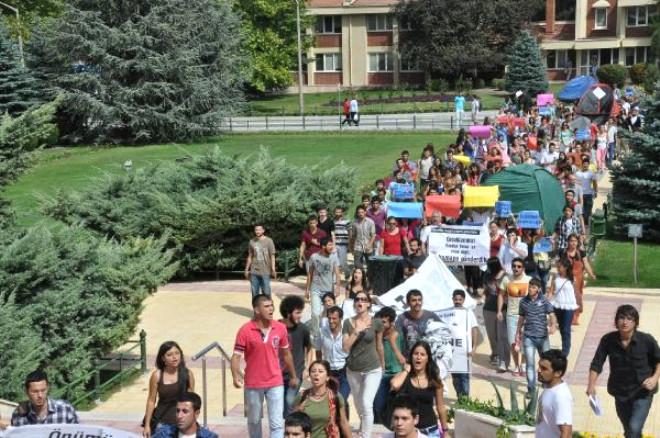 Protestocu Öğrencilere Gazlı Müdahale