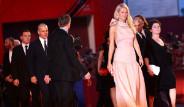 Dünyanın En Güzel Giyinen 10 Kadını