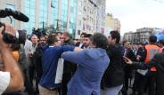 Taksim'de Çelenk Gerginliği
