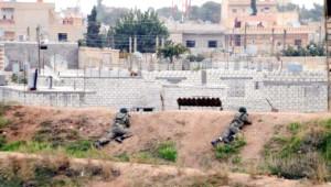 Asker Siperde Suriye'yi İzliyor