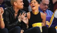 Rihanna Dayağı Unuttu!