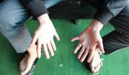 24 Parmaklı Genç