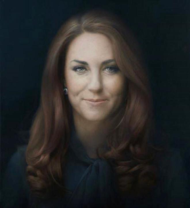 Kate'in İlk Resmi Portresi