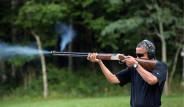 Obama'nın Tüfeği Alay Konusu Oldu