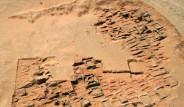 İki Bin Yıllık Piramit Mezarları