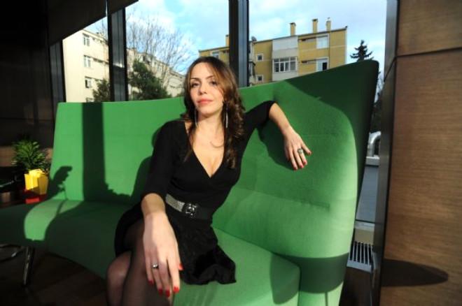 Karolin: Playboya Tablo Satmam