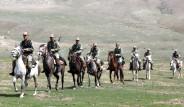 Van'da Kırgız Süvari Birliği!