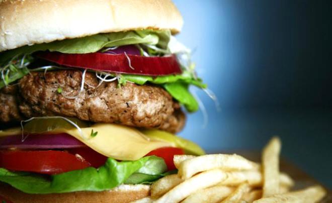Bu haberi okuduğunuzda severek yediğiniz birçok yiyecekten vazgeçebilirsiniz! İşte o yiyecekler ve yapılışları: