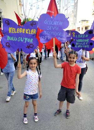 Mersin'de Selda Bağcan'lı 1 Mayıs Coşkusu