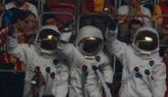 TT Arena'yı Astronotlar Bastı!
