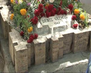 '3 Fidan', Mezarları Başında Anıldı