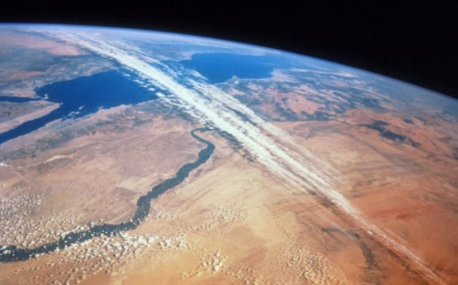 jet streams Jet streams are like rivers of wind high above in the atmosphere these slim strips of strong winds have a huge influence on climate, as they can push air masses around and affect weather.