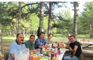 3 İlçe Kaymakamı Öğretmenlerle Piknikte Bir Araya Geldi