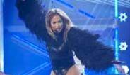 Jennifer Lopez Sahne Şovuyla Hem Göze Hem Kulağa Hitap Etti!