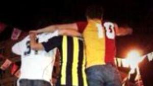 Taraftar Grupları Gezi Parkı İçin Tek Yürek!