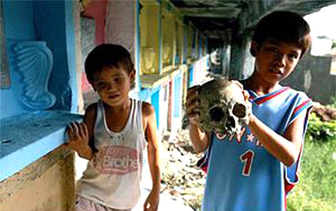 Manila Mezarlığında Yaşayanlar