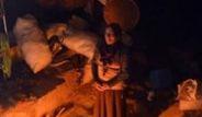 Negev Çölüne Göç Eden Filistinli Bedeviler Mağaralarda Yaşıyor