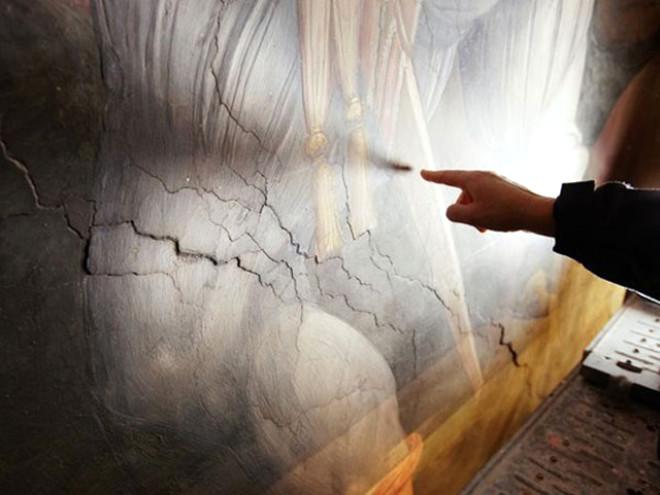 Da Vinci'ye Ait Olduğu Sanılan Tamamlanmamış Fresk Buldu