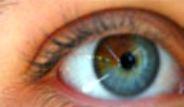 Gözlerini Gören Hayret Ediyor