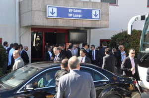 Başbakan Erdoğan'ın Mitingi Öncesinde Alan Bayraklarla Donatıldı (2)