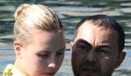 Serdar Ortaç ve Chloe Deve Güreşi Oynadı