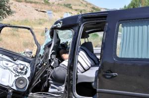 Sivas'ta Feci Kaza: 1 Ölü, 4 Yaralı