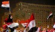 Tahrir'de Darbe Coşkusu
