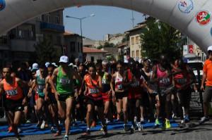 1'inci Uluslararası Avanos Kızılırmak Yarı Maratonu'nu Kenyalı Atlet Kazandı
