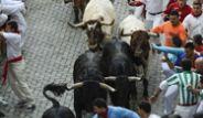 İspanya'daki San Fermin Festivali'nde Boğalar Cirit Attı!