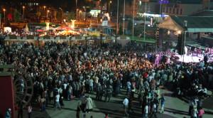 Meydanda Ahmet Özhan Rüzgarı