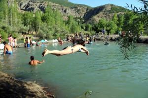 Tunceli'de Plajlar Hafta Sonu Doldu