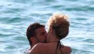 Shakira ile Gerard Pique de Tatile