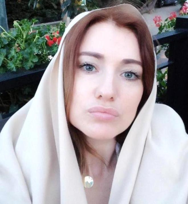 Hilal Cebeci Rus Kadın Tweeti İle Geri Döndü