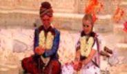 Gripin'in Bateristi Hindistan'da Evlendi