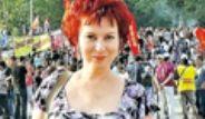 Rus Gazeteci Darya Aslamova Röportaj Yaptığı Kişilerle Yatmış