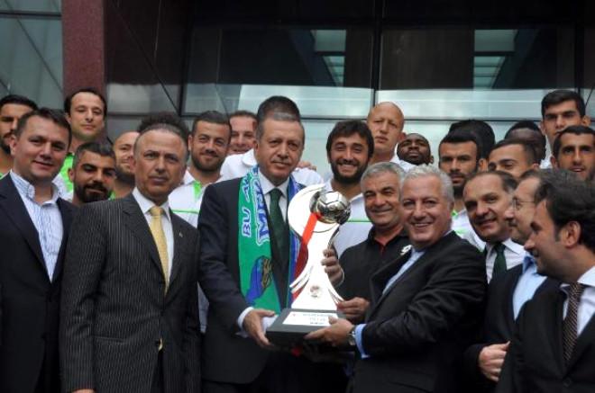 Başbakan Erdoğan: Yahu Darbenin Demokratik Olanı Olur mu? (2)
