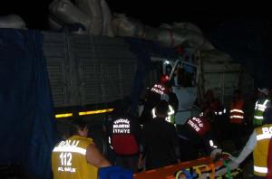 Tır'a Arkadan Çarpan Kamyonun Şoförü Öldü