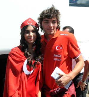 A Milli Takım'a Kayseri'de Coşkulu Karşılama