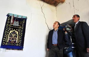 Vali Altıparmak, Deprem Bölgesinde İncelemelerde Bulundu
