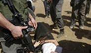 İsrail Askerleri Fransız Diplomata Saldırdı