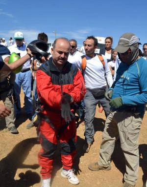 Vali Botan Vadisi Üzerinde Yamaç Paraşütü ile Uçtu