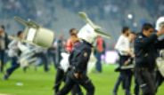 Beşiktaş- Galatasaray Derbisinde Olaylar Çıktı