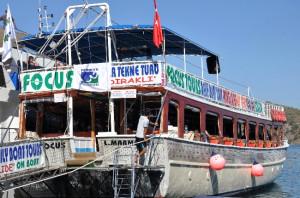 Belediye Personelleri Tekne Turunda Bir Araya Geldi