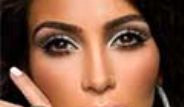 Kim Kardashian Transparan Kıyafetiyle Geceye Damga Vurdu