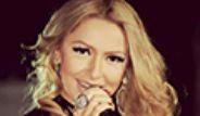 Şarkıcı Hadise,  Küçükçiftlik Park'ta Soğuğa Rağmen Konser Verdi