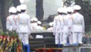 Vietanamlı Komutan Nguyen Giap Toprağa Veriliyor