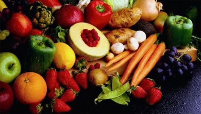 Doğru seçilen gıdalar ile sağlıklı ve genç kalmanın mümkün olduğunu söyleyen diyetisyen Nilay Keçeci, sofralardan eksik edilmemesi gereken 9 süper gıdayı ve faydalarını şöyle sıraladı:
