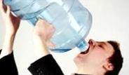Ayakta Su İçmenin Bilimsel Gerçeği