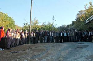 Madene Karşı 'Duran Köylü' Eylemi