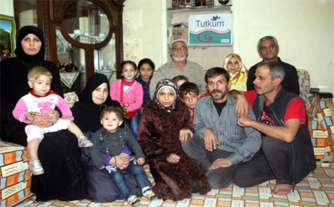 Evinde 18 Suriyeli ile Birlikte Kalıyor